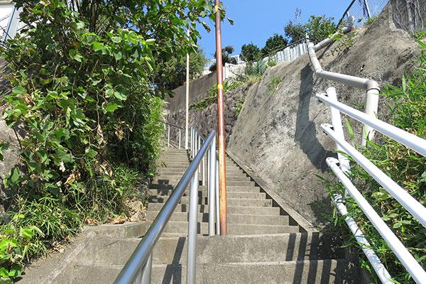 横浜山の手の住宅地の階段